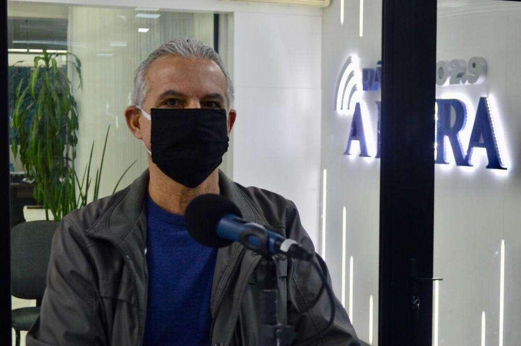 Diretor da RSData, Rogério Balbinot, esclarece importância de SST na rádio e jornal A Hora