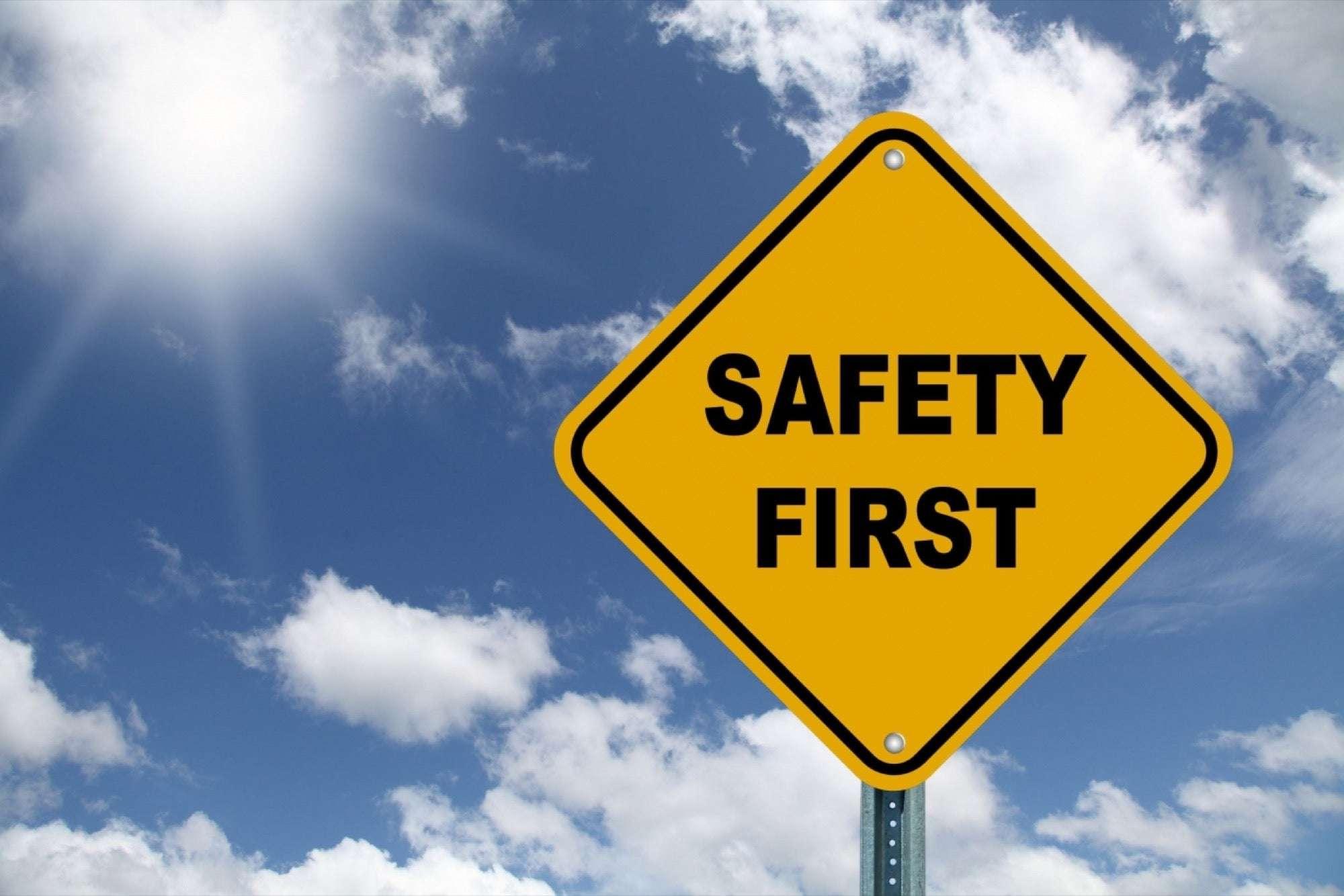 Por que a segurança vem antes, para promover a saúde no trabalho?