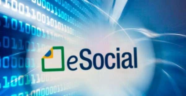 Implementação do eSocial suspensa por tempo indeterminado. É hora de se adequar!